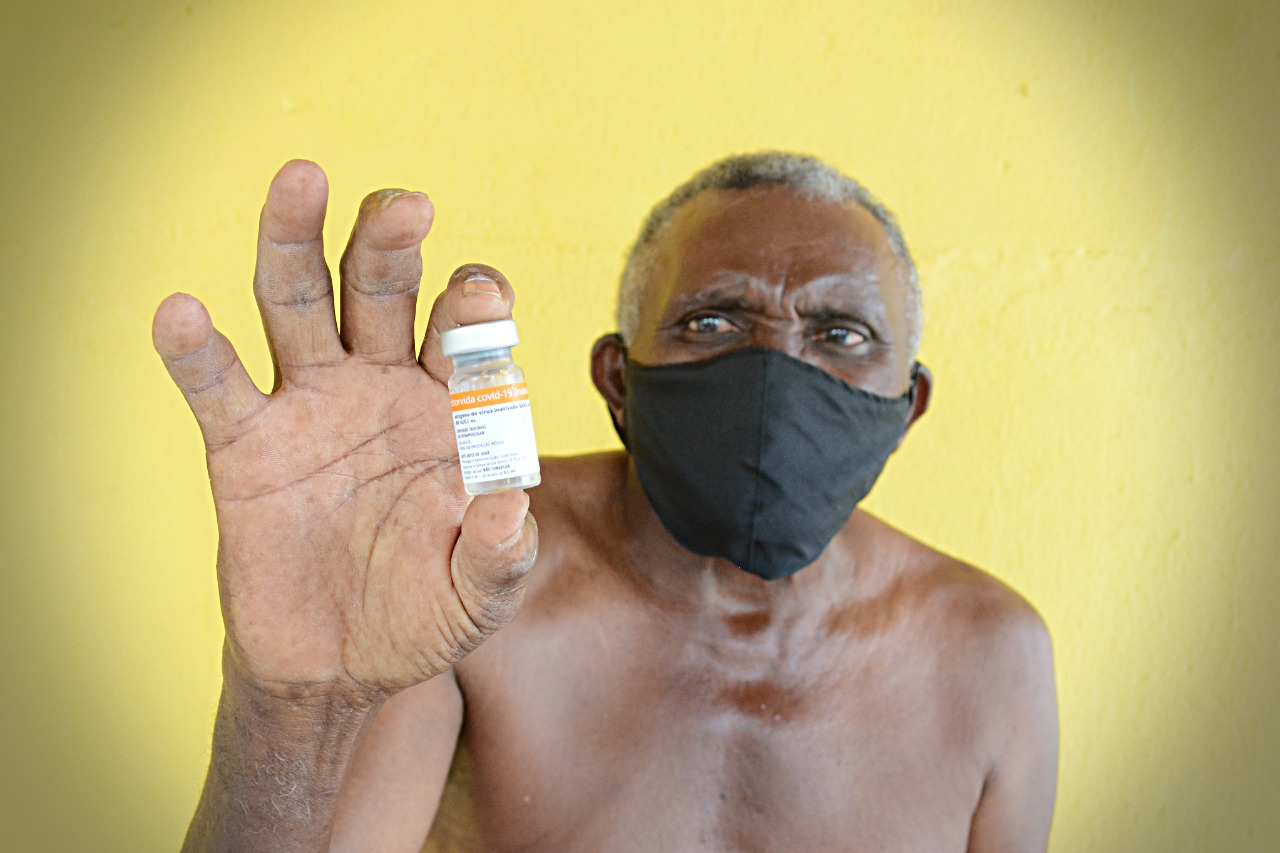 Cerca de 50 idosos são imunizados contra à Covid-19 em Capoeiras    Prefeitura de Macaíba